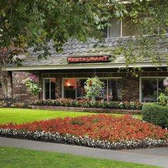 Отель Royal Scot Hotel & Suites Канада, Виктория - отзывы, цены и фото номеров - забронировать отель Royal Scot Hotel & Suites онлайн интерьер отеля фото 3