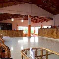Отель Himalayan Deurali Resort Непал, Лехнат - отзывы, цены и фото номеров - забронировать отель Himalayan Deurali Resort онлайн интерьер отеля