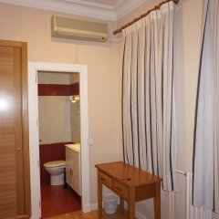 Отель Hostal Santillan Испания, Мадрид - отзывы, цены и фото номеров - забронировать отель Hostal Santillan онлайн удобства в номере