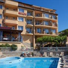 Отель Family Hotel Milev Болгария, Свети Влас - отзывы, цены и фото номеров - забронировать отель Family Hotel Milev онлайн бассейн