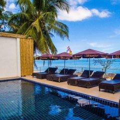 Rich Resort Beachside Hotel бассейн