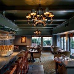 Отель Royal Scot Hotel & Suites Канада, Виктория - отзывы, цены и фото номеров - забронировать отель Royal Scot Hotel & Suites онлайн гостиничный бар