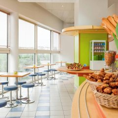 Отель ibis budget Paris Porte de Montreuil гостиничный бар
