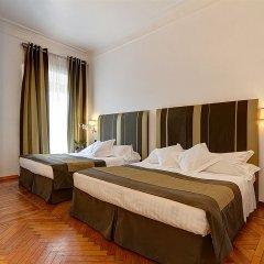 Hotel Alpi Рим сейф в номере