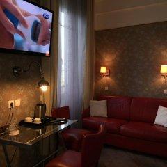 Отель Hôtel Les Chansonniers Франция, Париж - отзывы, цены и фото номеров - забронировать отель Hôtel Les Chansonniers онлайн комната для гостей фото 2