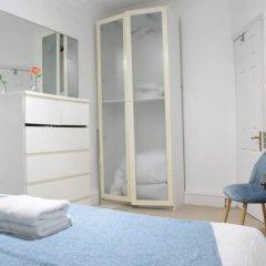 Отель Kensington 1 Bedroom Flat With Terrace Великобритания, Лондон - отзывы, цены и фото номеров - забронировать отель Kensington 1 Bedroom Flat With Terrace онлайн комната для гостей фото 3