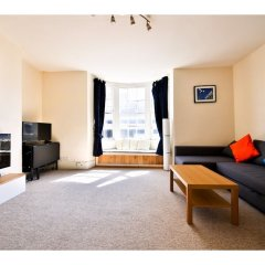 Отель Quiet Flat for 4 With Sea View in Central Brighton комната для гостей фото 3
