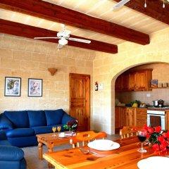 Отель Bellavista Farmhouses Gozo комната для гостей фото 3