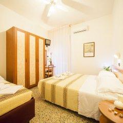 Hotel Lily Римини комната для гостей фото 3