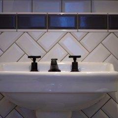 Victory House Hotel ванная
