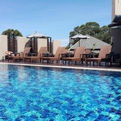 Отель April Suites Pattaya Паттайя бассейн