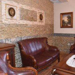 Отель Boris Palace Boutique Hotel Болгария, Пловдив - отзывы, цены и фото номеров - забронировать отель Boris Palace Boutique Hotel онлайн интерьер отеля