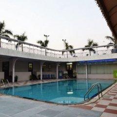 Отель Dee Marks Hotel & Resorts Индия, Нью-Дели - отзывы, цены и фото номеров - забронировать отель Dee Marks Hotel & Resorts онлайн бассейн