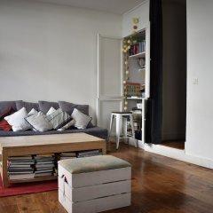 Апартаменты Spacious 2 Bedroom Loft Style Apartment комната для гостей фото 4