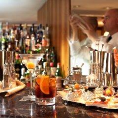 Отель Cavour Милан гостиничный бар