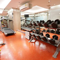 Отель V Residence Bangkok Таиланд, Бангкок - отзывы, цены и фото номеров - забронировать отель V Residence Bangkok онлайн фитнесс-зал
