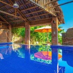 Отель Golden Peach Villa Hoi An бассейн