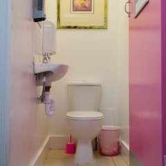 Отель Smart Camden Inn Hostel Великобритания, Лондон - отзывы, цены и фото номеров - забронировать отель Smart Camden Inn Hostel онлайн ванная фото 2