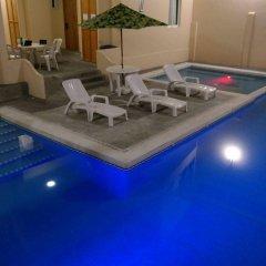 Отель Zihua Express Сиуатанехо бассейн