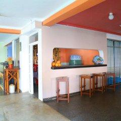 Отель Topaz Beach гостиничный бар