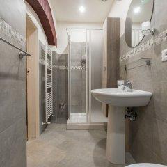 Отель House under the Towers Италия, Болонья - отзывы, цены и фото номеров - забронировать отель House under the Towers онлайн ванная фото 2