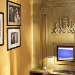 Отель Lenox Montparnasse Hotel Франция, Париж - 1 отзыв об отеле, цены и фото номеров - забронировать отель Lenox Montparnasse Hotel онлайн интерьер отеля