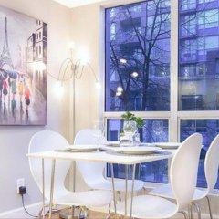 Отель King Suites Downtown Vancouver Канада, Ванкувер - отзывы, цены и фото номеров - забронировать отель King Suites Downtown Vancouver онлайн питание