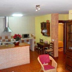 Отель House With 8 Bedrooms in Cenicientos, With Wonderful Mountain View and Furnished Terrace Эль-Баррако комната для гостей фото 5