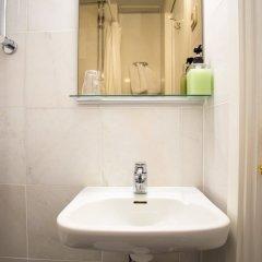Отель Crystal Plaza Hotel Швеция, Стокгольм - 13 отзывов об отеле, цены и фото номеров - забронировать отель Crystal Plaza Hotel онлайн ванная