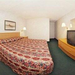 Отель Rodeway Inn North Columbus комната для гостей фото 5
