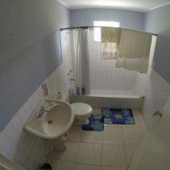 Отель Tina's Guest House ванная фото 2