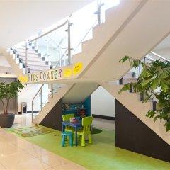 Отель Best Western Plus Blue Square Нидерланды, Амстердам - 4 отзыва об отеле, цены и фото номеров - забронировать отель Best Western Plus Blue Square онлайн детские мероприятия фото 2