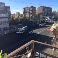Отель Tigran Petrosyan Армения, Ереван - отзывы, цены и фото номеров - забронировать отель Tigran Petrosyan онлайн балкон