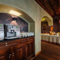 Отель Holland House Residence Old Town питание фото 3