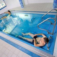 Отель Violeta Литва, Друскининкай - отзывы, цены и фото номеров - забронировать отель Violeta онлайн бассейн фото 2