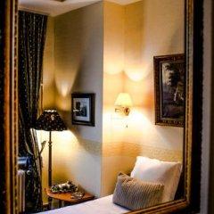 Отель Guest House Huyze Die Maene сейф в номере