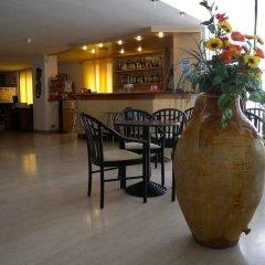 Отель Grand Meeting Италия, Римини - отзывы, цены и фото номеров - забронировать отель Grand Meeting онлайн гостиничный бар фото 2