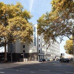 Отель a&o Frankfurt Ostend Германия, Франкфурт-на-Майне - отзывы, цены и фото номеров - забронировать отель a&o Frankfurt Ostend онлайн парковка