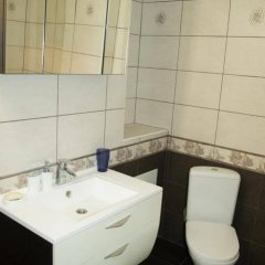 Гостиница Пантеон Апартаменты Центр в Тюмени 1 отзыв об отеле, цены и фото номеров - забронировать гостиницу Пантеон Апартаменты Центр онлайн Тюмень ванная