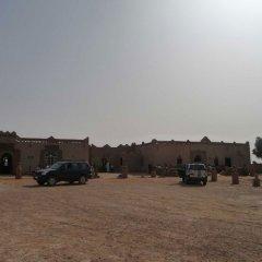 Отель Kasbah Bivouac Lahmada Марокко, Мерзуга - отзывы, цены и фото номеров - забронировать отель Kasbah Bivouac Lahmada онлайн парковка