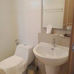 Отель The Royal Place ванная фото 2