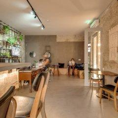 Отель Selina Porto Порту гостиничный бар