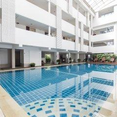 Trang Hotel Bangkok бассейн