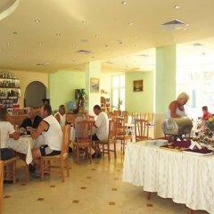 Отель Sunny Day Club Hotel Болгария, Солнечный берег - 3 отзыва об отеле, цены и фото номеров - забронировать отель Sunny Day Club Hotel онлайн питание фото 2