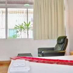 Отель Best Value Inn Nana Бангкок в номере