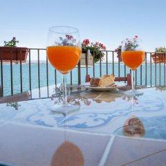 Отель Henrys House Италия, Сиракуза - отзывы, цены и фото номеров - забронировать отель Henrys House онлайн бассейн фото 3