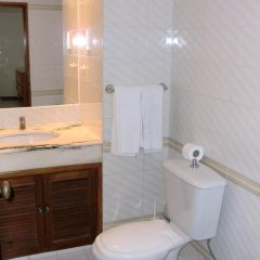 Отель Algamar Португалия, Виламура - отзывы, цены и фото номеров - забронировать отель Algamar онлайн ванная фото 2