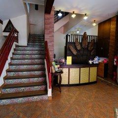 Red Balcony Hotel интерьер отеля фото 2