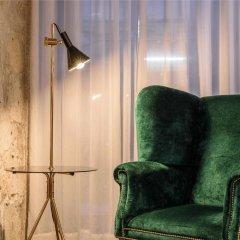 Отель Exe Almada Porto Порту сейф в номере