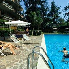 Park Hotel Blanc et Noir бассейн
